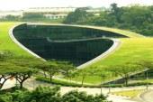 Zielony dach Politechniki Nanyang w Singapurze.